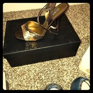 Size 8 Nina brown sequin shoes